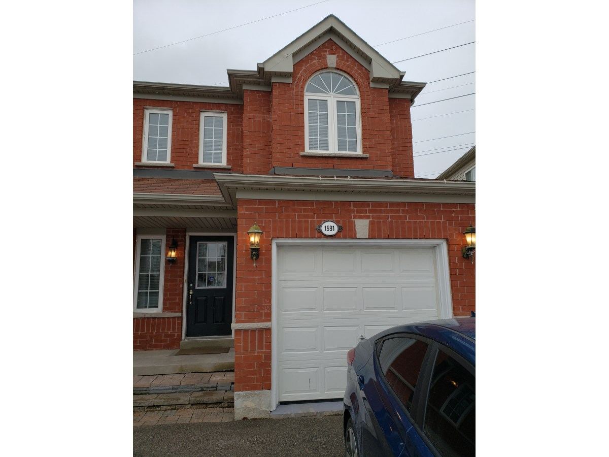 Pickering House for rent, click for more details...