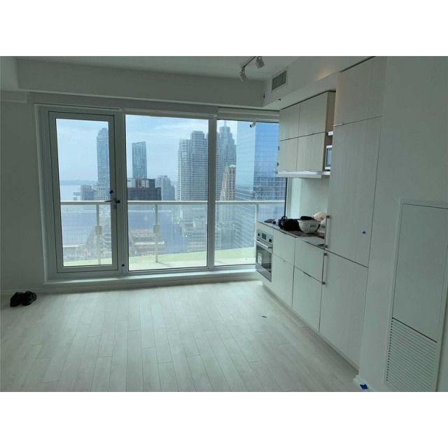Toronto Ontario Condominium For Rent