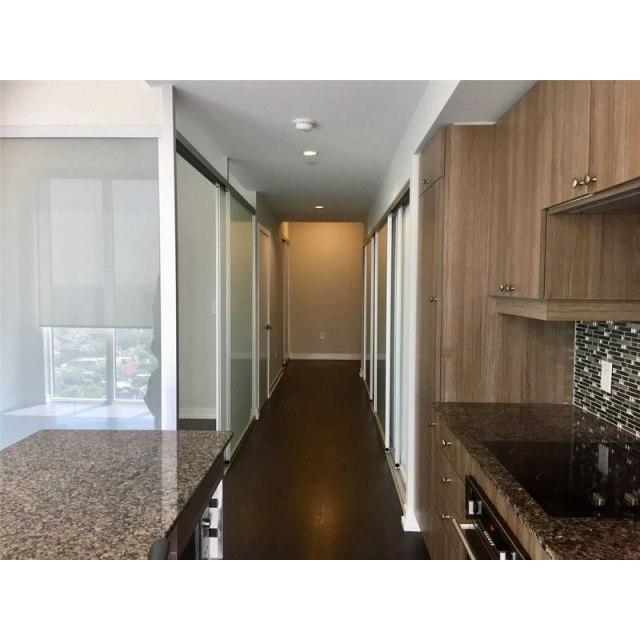 Toronto Condominium pour le loyer, cliquer pour plus de détails...