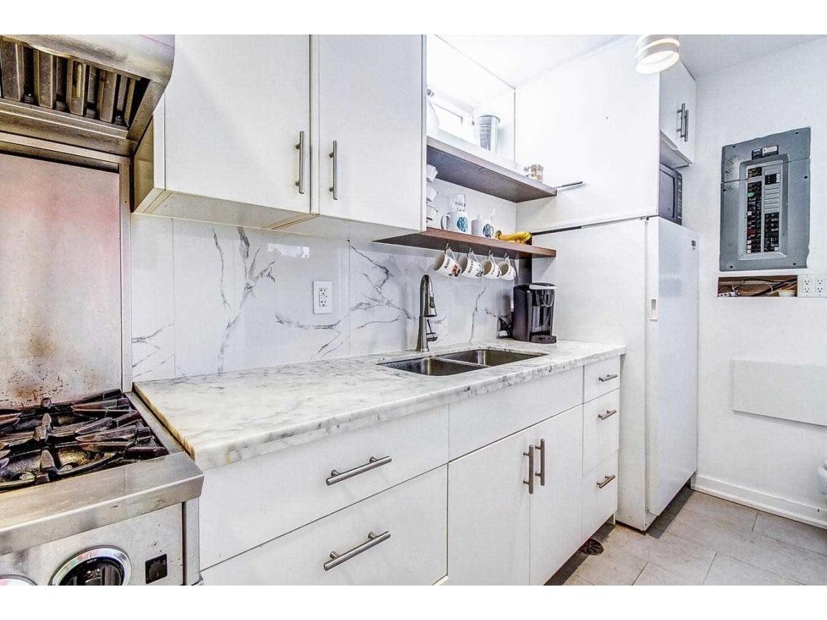 York Basement Suite for rent, click for more details...