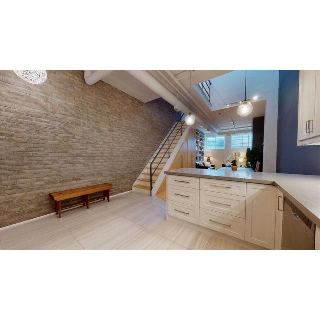 Toronto Loft for rent, click for more details...