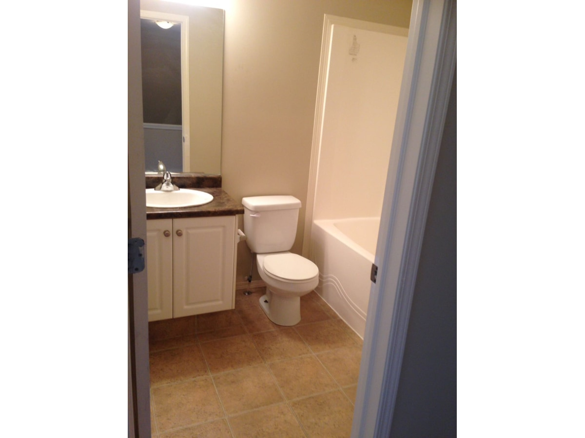 Beaumont Townhouse for rent, click for more details...