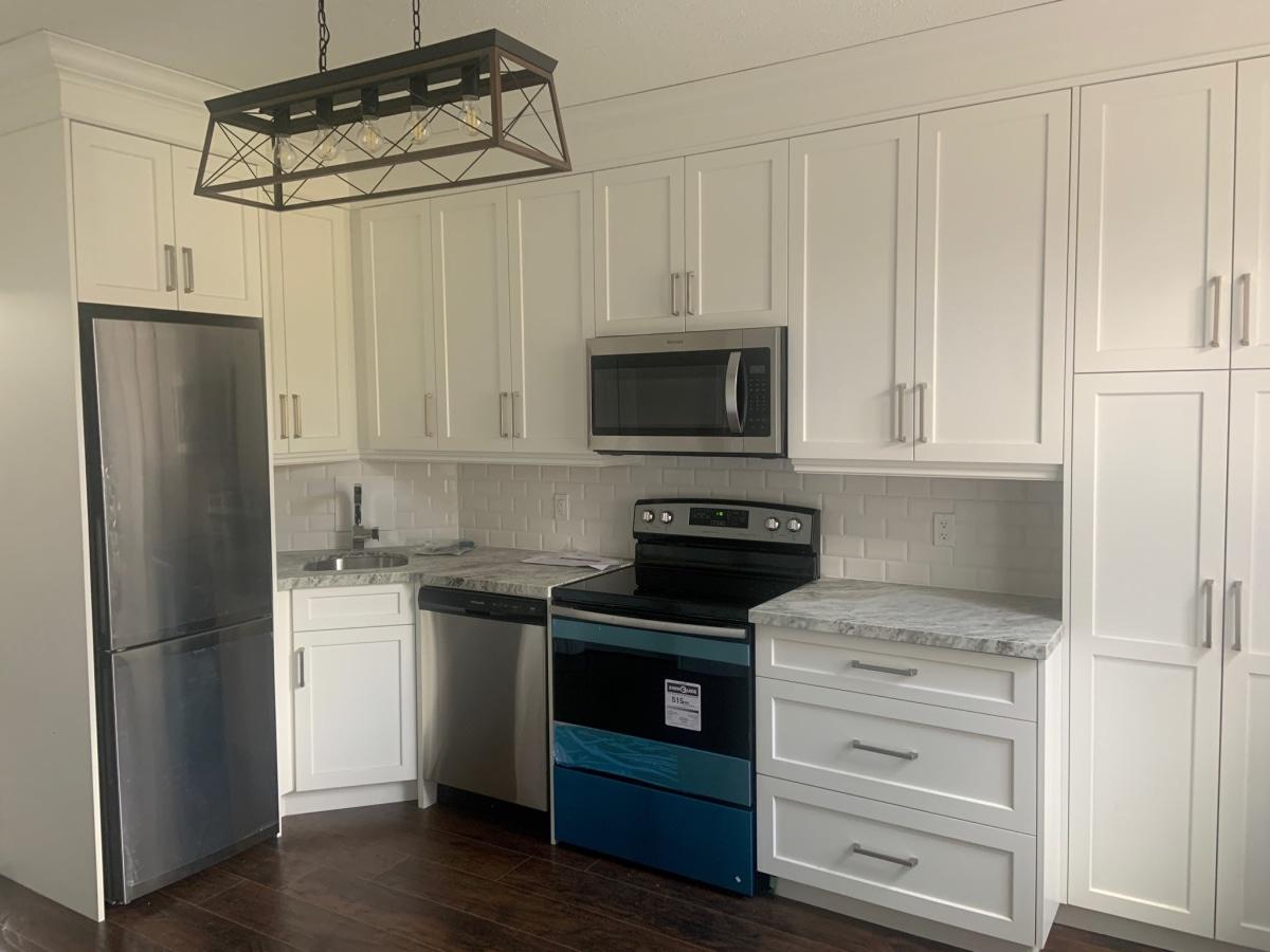 Dundas House for rent, click for more details...