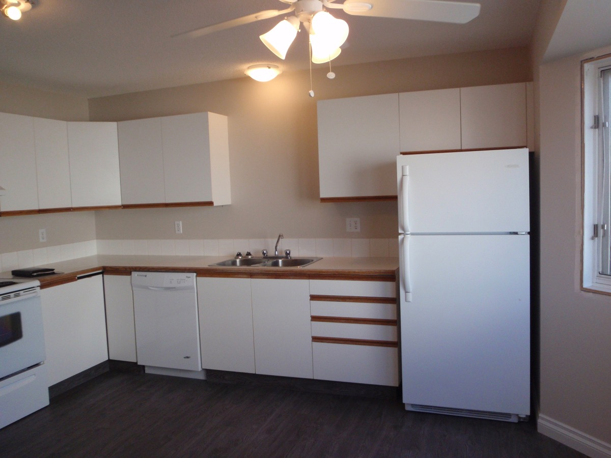 College Heights Townhouse for rent, click for more details...