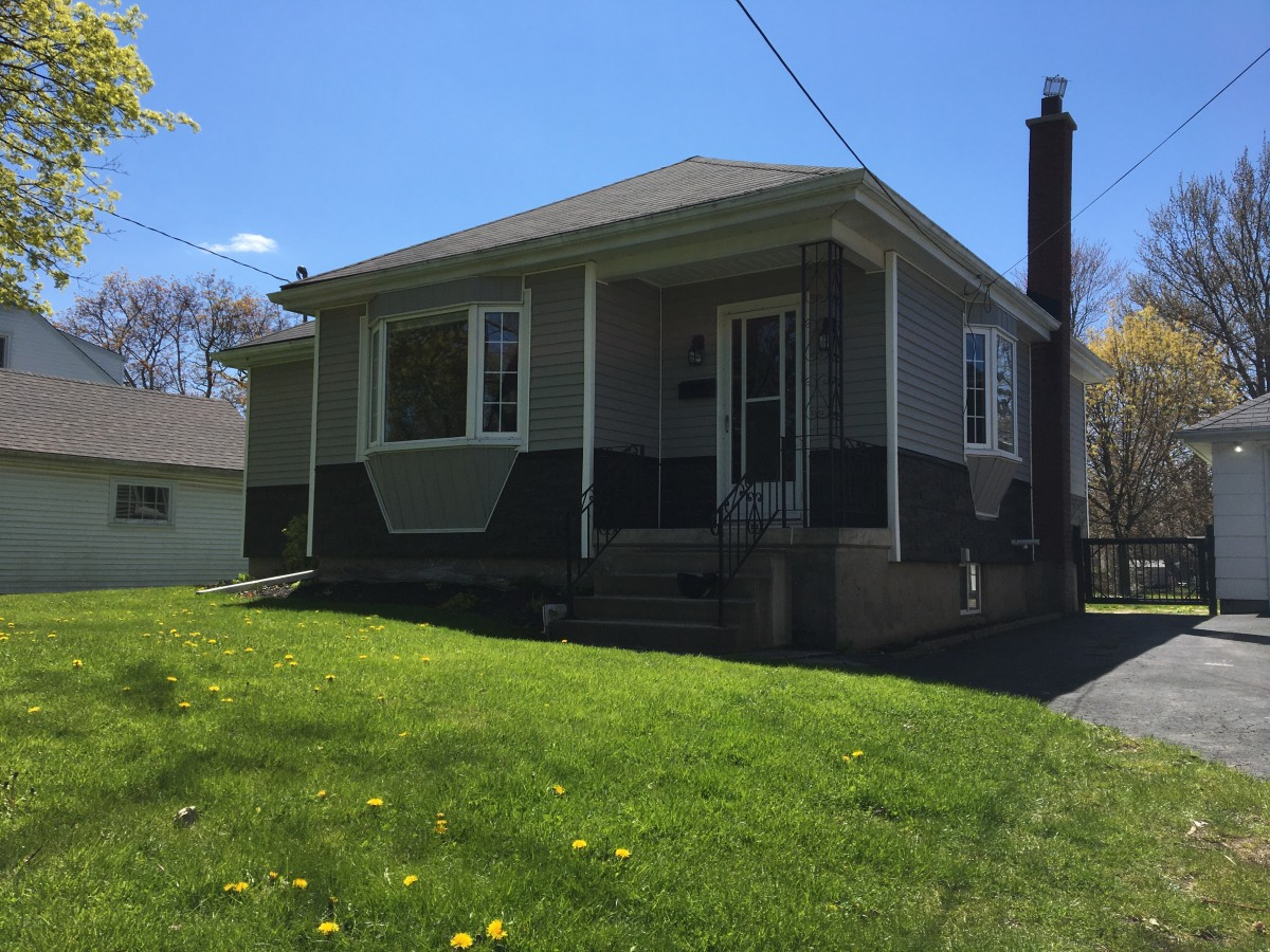 Niagara Falls House for rent, click for more details...