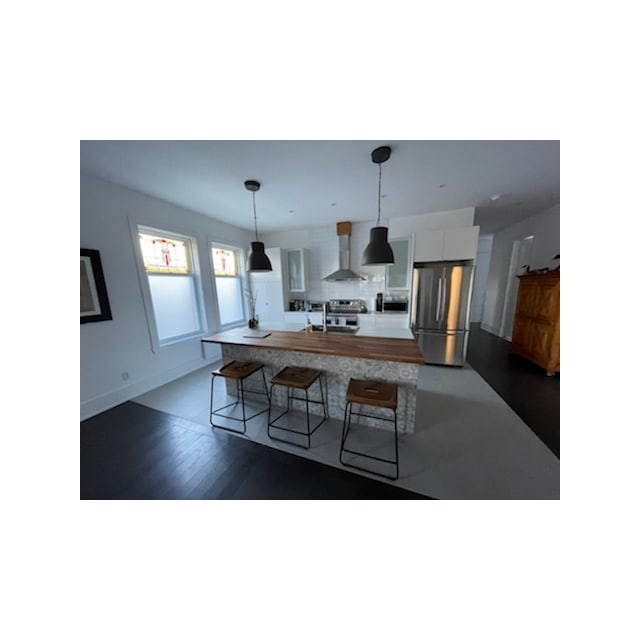 Verdun Apartment for rent, click for more details...