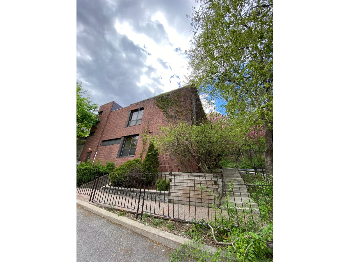Westmount House for rent, click for more details...
