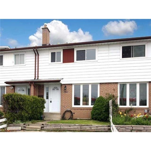 Pickering Maison urbaine pour le loyer, cliquer pour plus de détails...