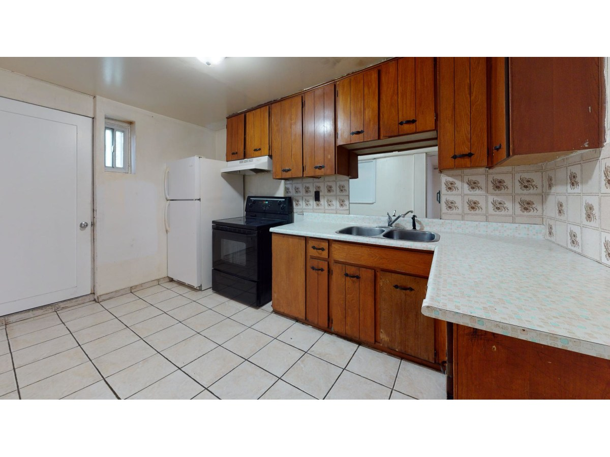 Woodbridge Basement Suite for rent, click for more details...