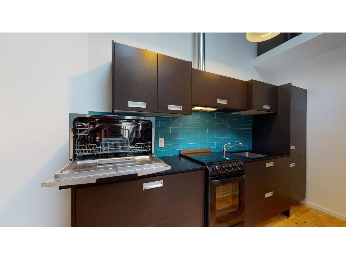 York Studio for rent, click for more details...