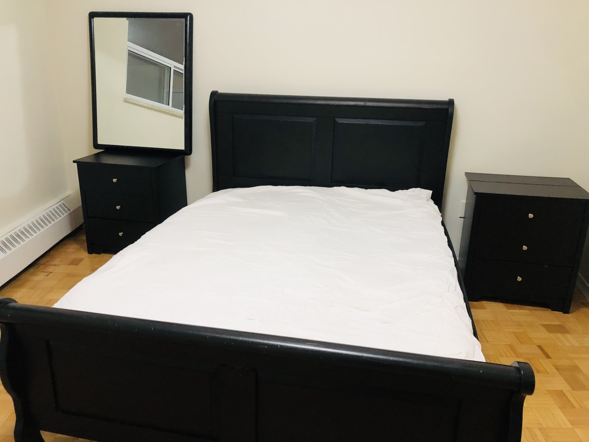 North York Room for rent, click for more details...