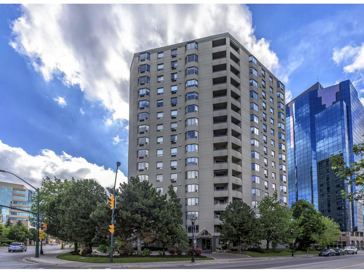 London Condominium for rent, click for more details...