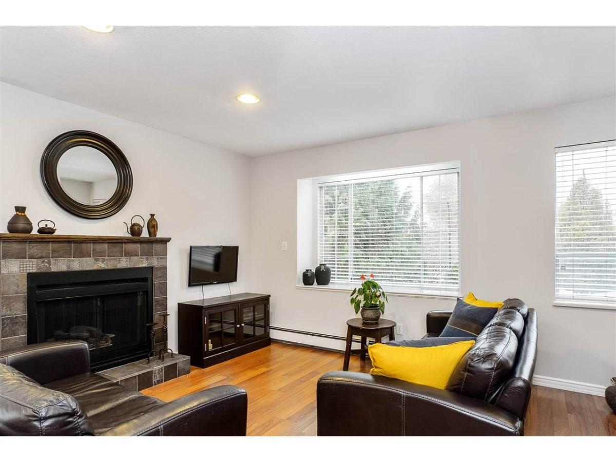 Vancouver Duplex for rent, click for more details...