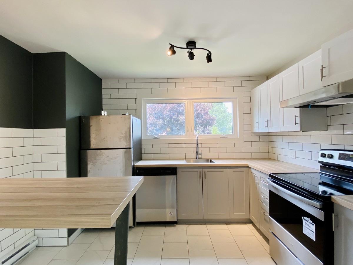 Kingston Room for rent, click for more details...