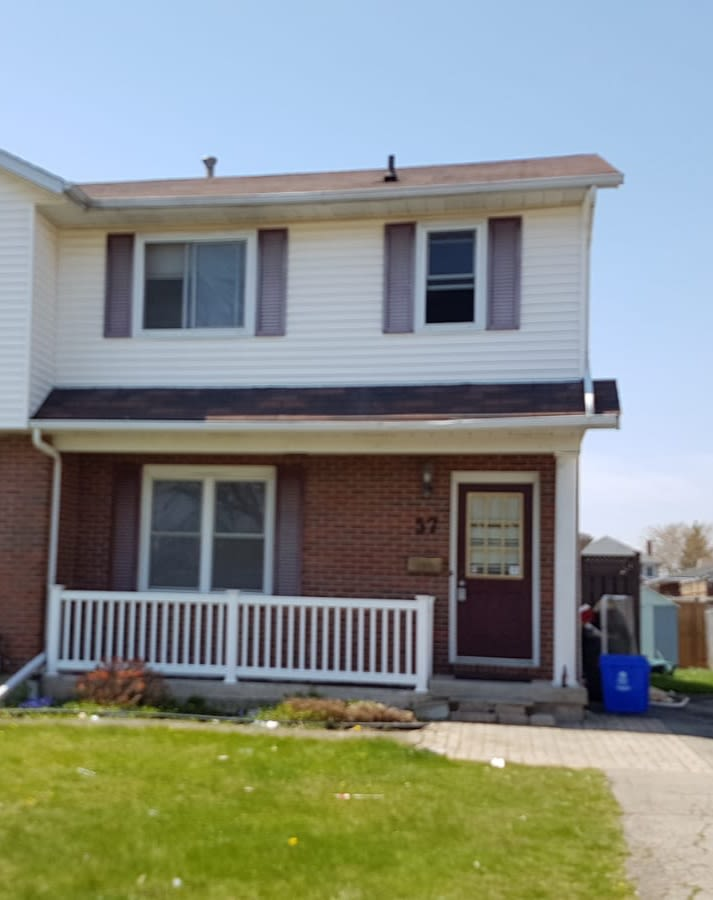 Welland Room for rent, click for more details...