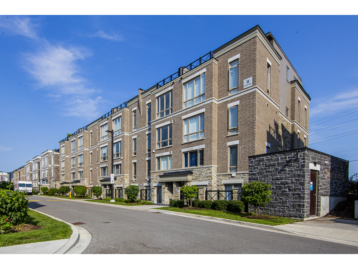 Locust Hill Townhouse for rent, click for more details...